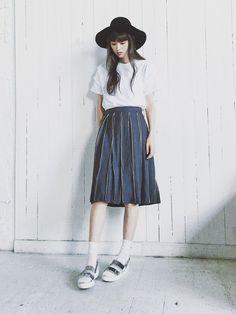 鈴木えみ│CAT COPYのスカートコーディネート-WEAR