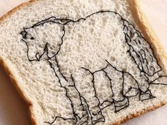 Explorando superficies para bordar, pan con obras de #fernandobotero Ethical Fashion, Bread, Food, Fernando Botero, Sustainable Fashion, Brot, Essen, Baking, Meals