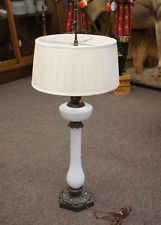 Vintage Tyndale Mid-Century White Opalescent Milk Glass Table Lamp 41