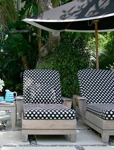 ...we had these sun loungers in our garden. If only we had a garden. If only ,,,,