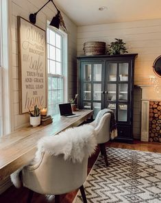 COMMENT 1 thing you would love to have from modern chic space!   We honestly… Hygge Home, House And Home Magazine, Country Home Magazine, Home Office Decor, Home Decor Inspiration, Home Renovation, Decoration, Family Room, Sweet Home
