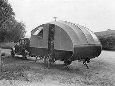 History of Teardrop Trailers - Average Joe Camper Trailers Vintage, Classic Trailers, Vintage Caravans, Camping Vintage, Vintage Rv, Vintage Photos, Vintage Style, Camper Caravan, Camper Trailers