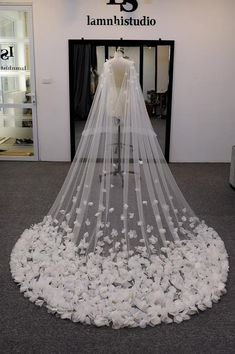 There are different rumors about the annals of the marriage dress; tesettür First Narration; In ancient Rome, along with of … Cathedral Wedding Dress, Diy Wedding Dress, Wedding Dresses With Flowers, Country Wedding Dresses, Princess Wedding Dresses, Wedding Veils, Dream Wedding Dresses, Wedding Cape Veil, Cinderella Wedding