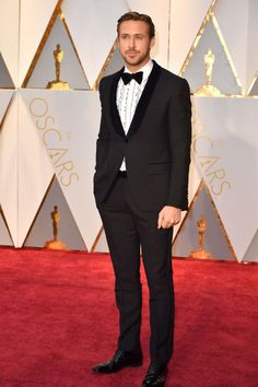 It looks like Gosling's wearing a retro dress shirt and this '80s chic tuxedo look from Gucci is 100 percent squee-worthy.