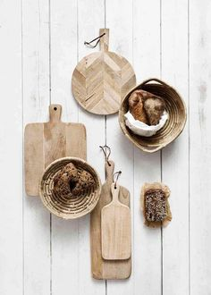 At Twinterior it's Earth day every day🌿 We always look for the best, natural but sustainable options for our products. Our gorgeous chopping board are made of mango wood, which is the most sustainable wood around 🙌🏻 Tapas, Cutting Board, Mango, Pastel, Photo And Video, Diy, Home Decor, Kitchen Wood, Natural Beauty