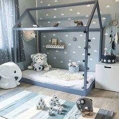 55 Best Montessori Bedroom Design For Happy Kids 0023 - kinderzimmer Toddler Rooms, Baby Boy Rooms, Baby Bedroom, Nursery Room, Kids Bedroom, Bedroom Ideas, Toddler House Bed, Boy Toddler Bedroom, Child's Room