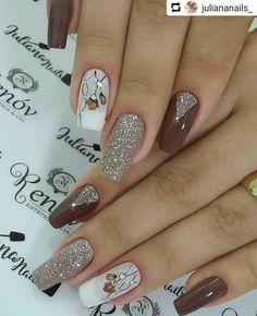 In order to provide some inspirations for nails red colors for your long nails in this winter, we have specially collected more than 80 images of red nails art designs. Fancy Nails, Red Nails, Cute Nails, Long Nail Art, Long Nails, Ongles Beiges, Nagellack Trends, Wedding Nails Design, Pretty Nail Art