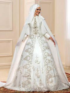 Noble Red Beading Crystal Muslim Arabic Wedding Dress With Hijab