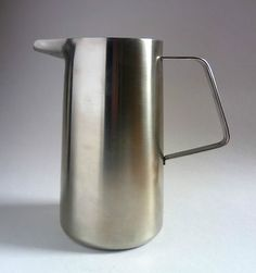 ROBERT WELCH Old Hall Stainless 'ORIANA' LARGE TABLE JUG. 1950s Steel Pitcher