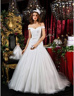A-line Princess Court Train Tulle Wedding Dress With Free Doll - USD $ 399.99