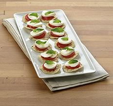 Create the tastiest Buffalo Mozzarella Bites, Tostitos® own Mozzarella Bites with step-by-step instructions. Make the best Mozzarella Bites for any occasion. Appetizer Recipes, Dessert Recipes, Appetizers, Tortillas, Frito Lay, Buffalo Mozzarella, Eat Right, Easy Snacks, Easy Peasy