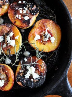 Rosemary, Bacon and brown Sugar Roasted Peaches.skillet roasted peaches sprinkled with brown sugar, infused with fresh rosemary and finished with crumbled bacon, bacon grease, and smoked blue cheese. I Love Food, Good Food, Yummy Food, Tasty, Slow Cooker Desserts, Snacks Für Party, Fruits And Veggies, Chefs, Food Inspiration