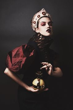 Darkly Regal Photoshoots : From Lust to Glory