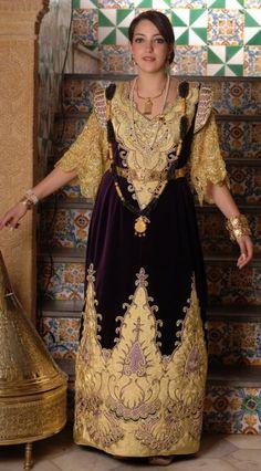 "Gandoura ""annabia"", robe traditionnelle de Annaba (Algérie) / Gandoura ""annabia"", traditional dress of the city of Annaba (Algeria)"
