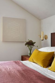 modern boho master bedroom with yellow velvet pillows, yellow bedroom with modern sconces and modern headboard, modern bedroom decor inspirationen Gelb 7 Ways That Prove You Should Be Decorating With Yellow Modern Boho Master Bedroom, Simple Bedroom Design, Modern Bedroom Decor, Beautiful Bedrooms, Home Bedroom, Modern Headboard, Bedroom Designs, Bedroom Apartment, Contemporary Bedroom