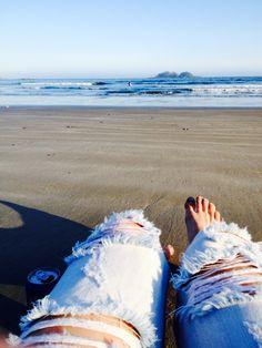 Beach, beer, ganj, waves= paradiseeeee