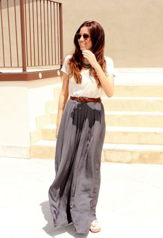 15 Trendy Street Style Outfits With Palazzo Pants.. Is it just me or does it sorta look like she peed herself?