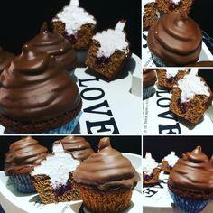 Mes Hi Hat cupcakes avec un insert confiture de cerise au milieu