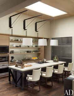 Contemporary Kitchen by McAlpine Booth & Ferrier Interiors and DA|AD in Nashville, Tennessee