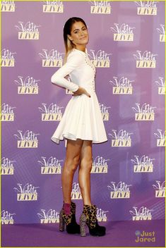 Violetta Live, Netflix Kids, Disney Channel Shows, Skater Dress, Singer, Formal Dresses, Purple, Pretty, Star