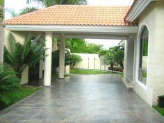 House Outside Design, Front Gardens, Bungalow House Design, Modern Farmhouse Exterior, Facade House, Living Room Colors, Picture Design, Architecture, House Plans