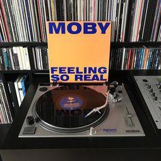 Maandagochtend: Moby - Feeling So Real. #nowplaying #nowspinning #myvinylcollection #myrecordbox #myvinylroom #instavinyl #vinyljunkie #vinyloftheday #vinylcollection #vinylcollector #vinylporn #vinylart #vinyladdict #recordcollector #recordcollection #recordbox #recordoftheday #essentialvinyl #electronicmusic #moby #maandagmorgen #mondaymorning #oldschool #classic