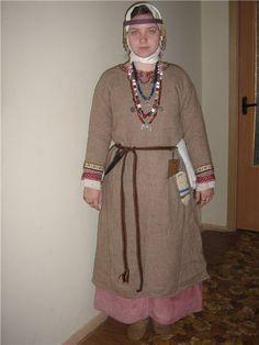 Krivichi from Polozk of the X century costume passport.
