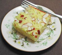 The Iowa Housewife: Family Favorites...Old Fashioned Almond Pear Cake