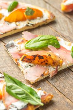 Grilled Peach, Prosciutto and Goat Cheese Pizza | Strawberry Blondie ...