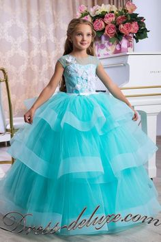 The best turquoise flower girl dress for your little princess. This Queen.Boutique dress accentuates sophisticated style and sophisticated elegance, emphasizing femininity. Little Girl Dresses, Girls Dresses, Flower Girl Dresses, Dress Girl, Turquoise Flower Girl Dress, Pretty Dresses, Beautiful Dresses, Kids Dress Patterns, Beach Dresses
