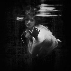 Falling Away, Création de Tommy Cavarela. Image
