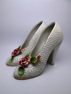 PAIR OF COLLECTIBLE PORCELAIN HOBNAIL HIGH HEEL SHOE FIGURINES Ceramic Shoes, Paper Shoes, Glass Shoes, Shoe Boots, Shoes Heels, Crystal Glassware, Glass Slipper, Porcelain Ceramics, Vintage Glassware