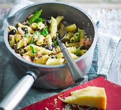 Penne with a punchy tuna sauce 2016 Dinner Party Menu, Dinner Ideas, Meal Ideas, Fried Tomatoes, Asian Recipes, Ethnic Recipes, Greek Dishes, Bbc Good Food Recipes, Penne