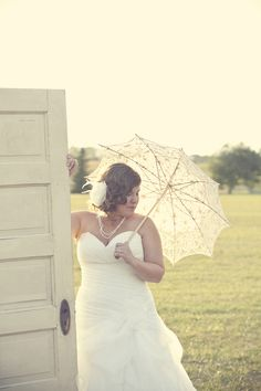 Parasol for the bride.