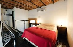 Old historic house converted to hostel Located in the traditional Boedo district Antique style mixed with relics & modern lofts Charming beautiful building Feels like stepping back in time Quiet/ homey feel http://www.theposhpacker.com/pick/elefante-rosa
