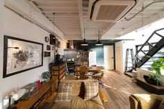 The interior which renovated the old building cherishes the texture of iron and wood. Interior Architecture, Interior And Exterior, Warehouse Renovation, Container House Design, Interior Decorating, Interior Design, Japanese House, Fashion Room, Office Interiors