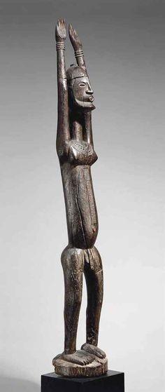 Statue Dogon Dogon figure Mali, 1390-1450, (80.7 de probabilité)  Hauteur: 172 cm. (67¾ in.)