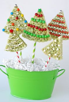 Rice Krispie Treat Christmas Trees | #christmas #xmas #holiday #food #desserts
