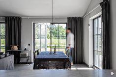 intressantahus-alricsson-10 Big Houses, Scandinavian Design, Building A House, House Plans, House Ideas, Villa, New Homes, Cottage, House Design