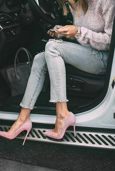 5 Girl On-The-Go Essentials | Hello Fashion