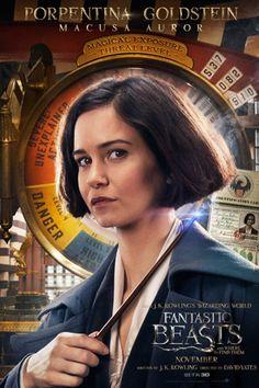 ファンタビヒロイン役で注目 キャサリンウォーターストンのバイオグラフィー