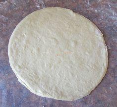 Pita Greceasca Coapta pe Tigaie poza 6 Tzatziki, Pizza, Bread, Desserts, Food, Tailgate Desserts, Deserts, Brot, Essen