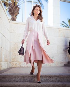 7 December 2016 - Queen Rania attends Women in the Frontlines conference in Amman