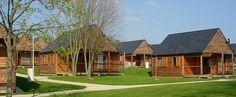 Village liberté Sainte-Suzanne en Mayenne http://bougerenfamille.com/vos-meilleures-vacances-a-la-campagne/