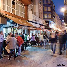 """A Coruña es """"cool"""" y tiene un ocio nocturno muy sano y divertido, donde podrás comer bien y después disfrutar de la noche. ¿Te vienes? http://goo.gl/KpAHqa"""