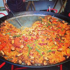 The king of spanish paella...Gusto Paella @NeighbourgoodsM. #paella #market #lunchtime   #neighbourgoodsmarketSA