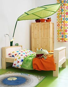 Ikea leaf canopy i need at least two classroom decorations pinterest nooks classroom for Ikea toddler boy bedroom ideas