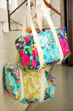 Quality Sewing Tutorials: Ruffle Duffle Bag tutorial from We All Sew