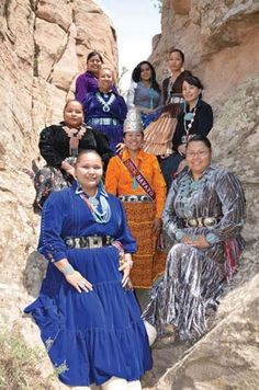 Wealth of experience marks Miss Navajo contestants Native American Teepee, Native American Girls, Native American Beauty, Native American History, Navajo Clothing, Desert Clothing, Navajo Nation, Tribal People, Native Style
