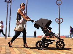 Sturdy, versatile with adjustable handle, Mountain Buggy Urban Jungle is a stroller designed for active city parents to stroll, jog, or run with their kids. Baby Stroller Brands, Cheap Baby Strollers, Baby Girl Strollers, Bob Stroller, Baby Jogger Stroller, Car Seat And Stroller, Umbrella Stroller, Double Strollers, Baby Prams